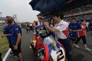 Leon Camier and HRC Director Tetsuhiro Kuwata