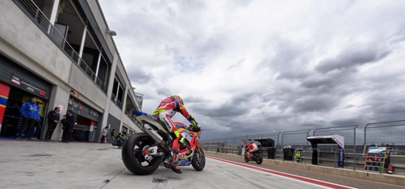 Camier back on track in mixed conditions at Aragon; Kiyonari faces the Spanish track for the first time