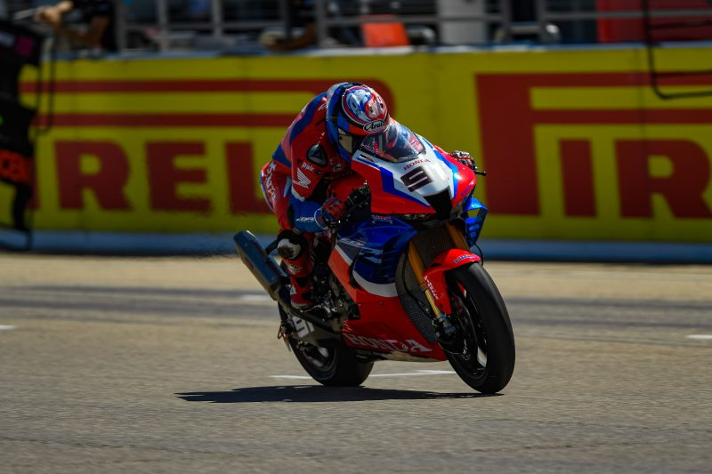 Seventh for Haslam in Race 1 at Aragón, Bautista falls while fighting for the podium