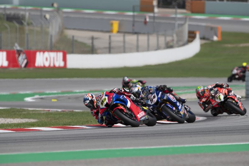 Fifth for Bautista in Race 1 at Barcelona, Haslam battles through the field to tenth